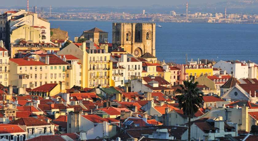 Lisbon tour, surf, activities