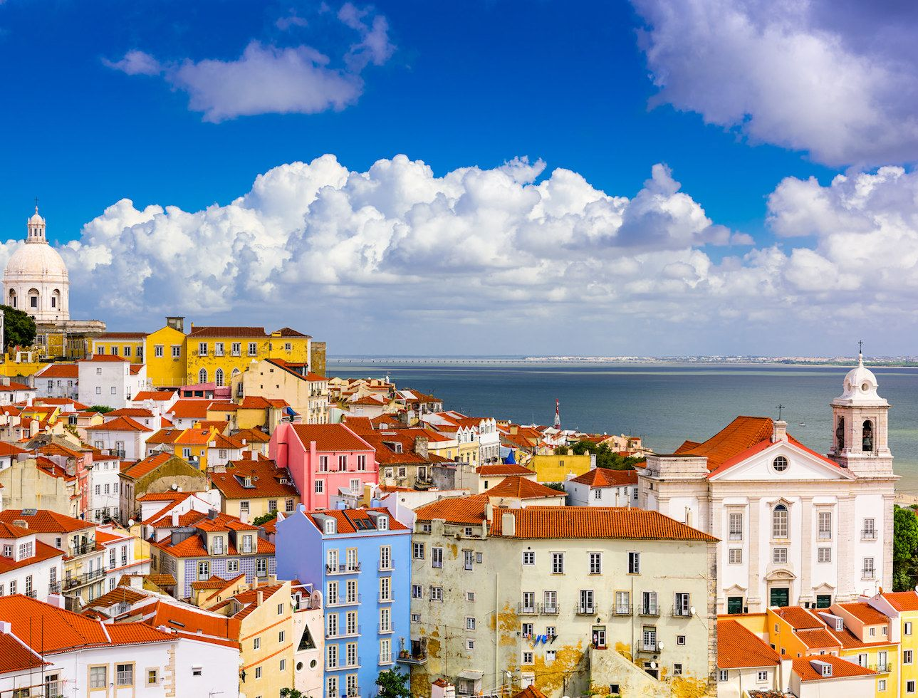 Perfect reasons why you should come to Portugal, Lisbon and Cascais. Your 2018  summer choice for a surf holiday or weekend break.